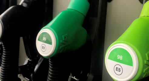 Les prix du pétrole au plus bas depuis 17 ans